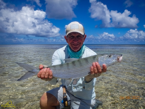 Fly fishing for Bonefish in Seychelles